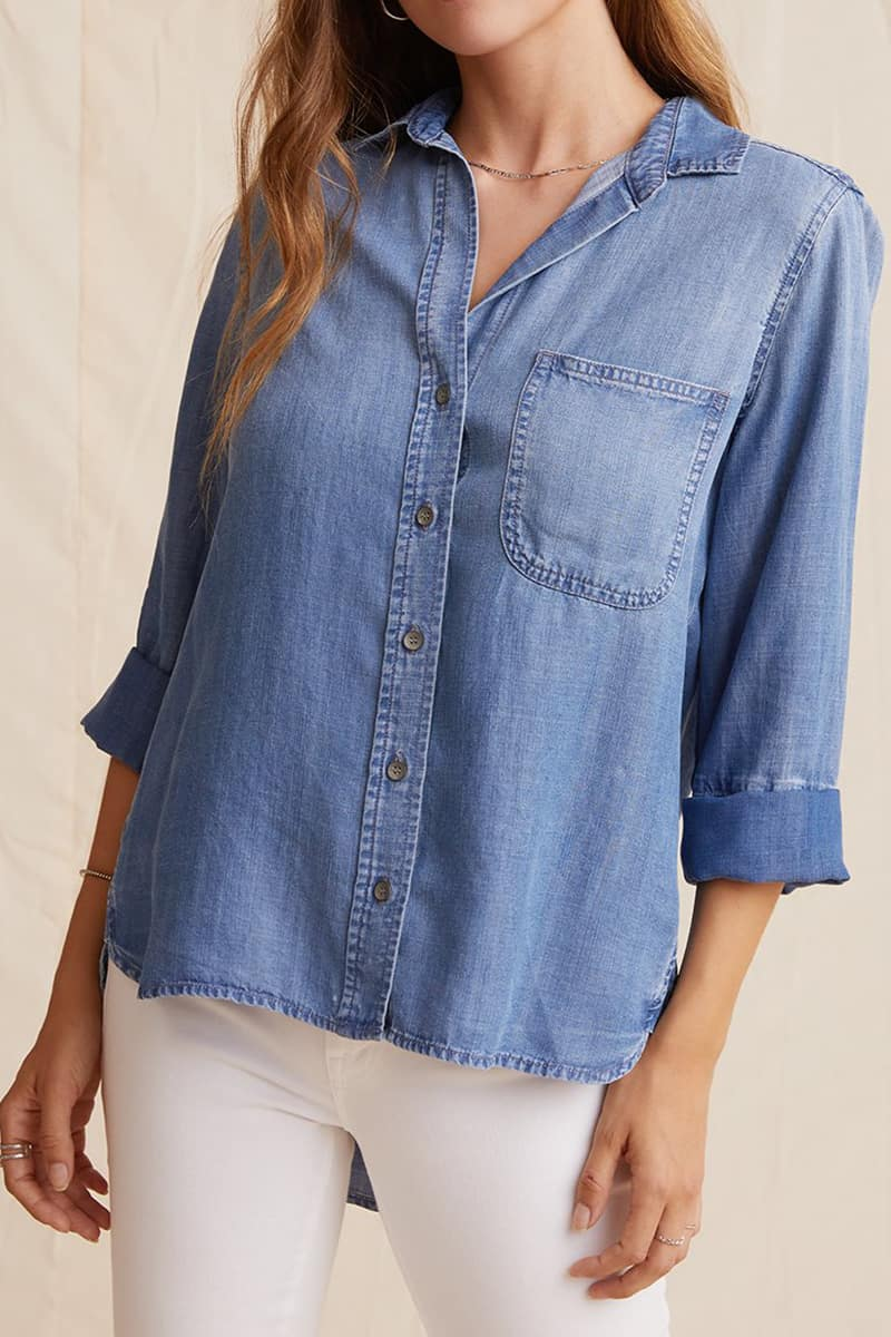 bella dahl shirt tail button up in medium ombre wash 93936