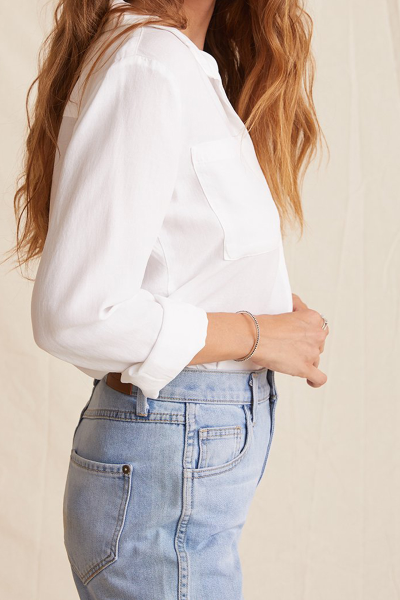 bella dahl two pocket classic button down in white 93048