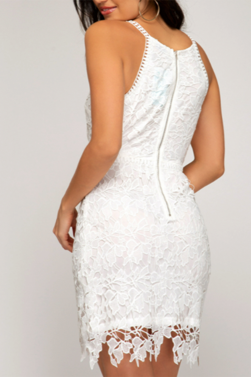 lace sleeveless fitted dress in white 89037