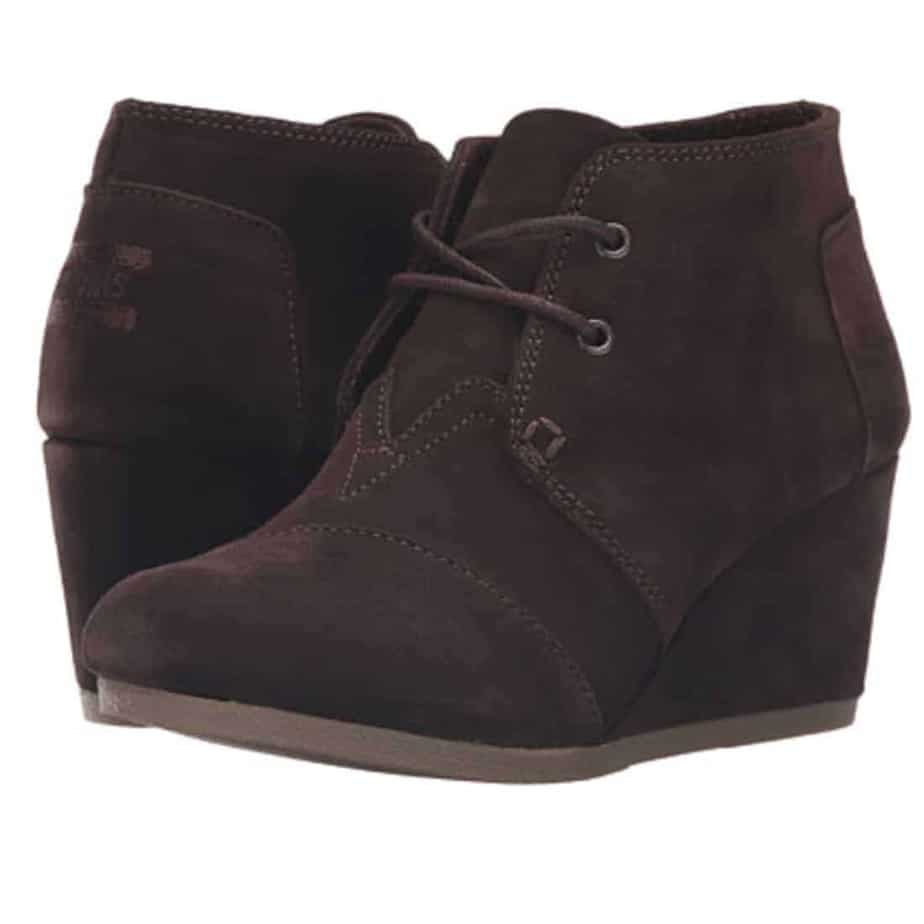 tom shoes desert wedge suede in chocolate cottonisland